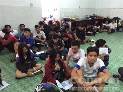 Cần Thơ: Bắt 52 thanh niên đua xe trái phép trên QL1A