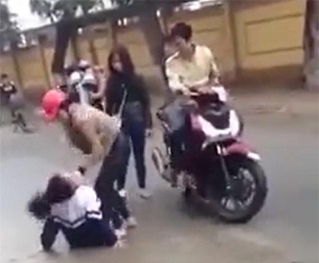 Tiết lộ nguyên nhân nữ sinh bị hành hung ở Hà Tĩnh
