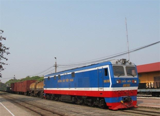 Đường sắt Việt Nam xin vay gần 4.700 tỷ mua đầu máy, toa tàu