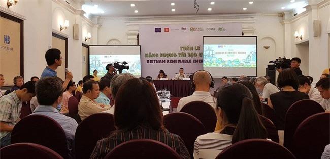 Một sự kiện trong Tuần lễ năng lượng tái tạo Việt Nam 2018. Ảnh: Kim Thanh