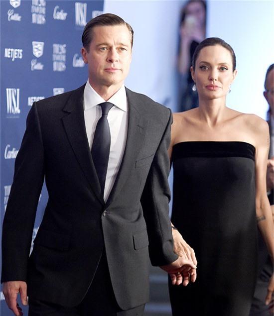 Brad Pitt và Angelina Jolie chia tay vào tháng 9/2016 nhưng vẫn chưa hoàn tất quá trình ly dị.