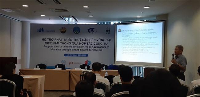 Các chuyên gia đang giới thiệu mô hình hợp tác công tư trong nuôi trồng thủy sản.
