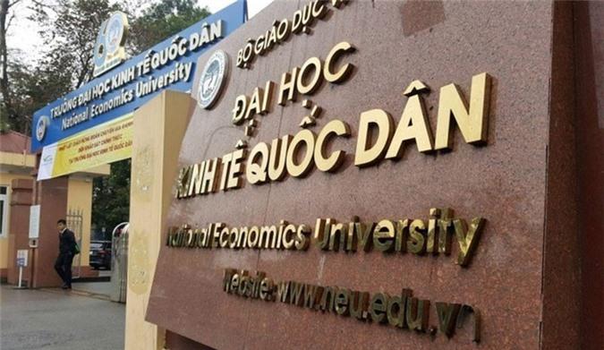 Hà Nội: Nữ tạp vụ trường ĐH Kinh tế Quốc dân bị đâm trọng thương. Một nam giới bất ngờ dùng vật nhọn đâm 3 nhát vào vùng vai, cổ, mạng sườn chị T., nữ tạp vụ trường Đại học Kinh tế Quốc dân Hà Nội. (CHI TIẾT)