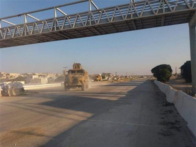 Đoàn xe quân sự Thổ Nhĩ Kỳ được cho là tiến về phía bắc Syria. (Ảnh: Almasdarnews).