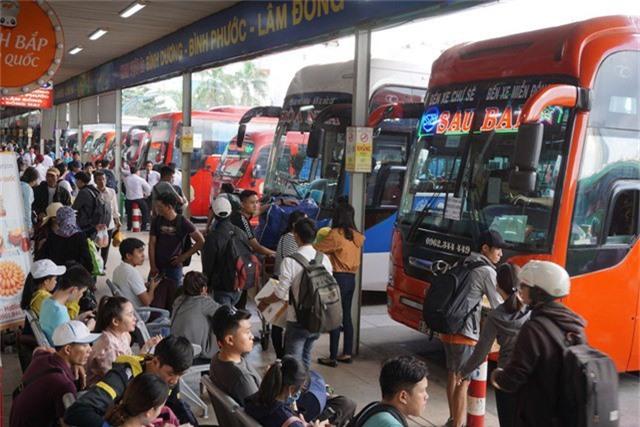 Lượng khách qua bến xe miền Đông năm nay dự báo tăng khoảng 2% so với kỳ nghỉ lễ năm trước
