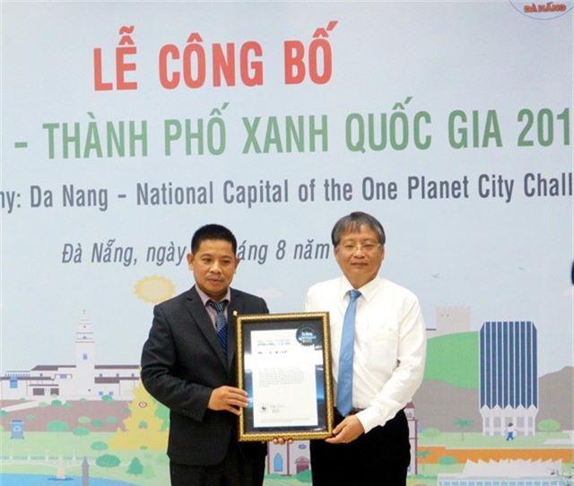WWF trao bằng chứng nhận TP Xanh quốc gia của Việt Nam 2018 đến đại diện lãnh đạo chính quyền TP Đà Nẵng