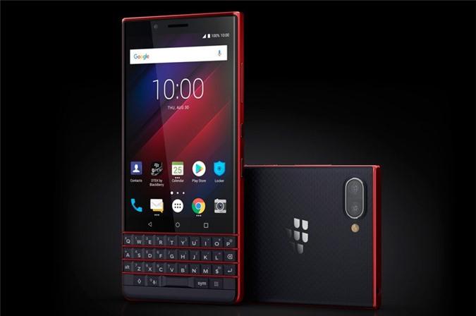 BlackBerry KEY2 LE dùng chip Qualcomm Snapdragon 636 lõi 8 với xung nhịp tối đa 1,8 GHz, GPU Adreno 509. RAM: 3/4GB, ROM: 32/64 GB, có khay cắm microSD với dung lượng tối đa 256 GB. Hệ điều hành Android 8.1 Oreo.