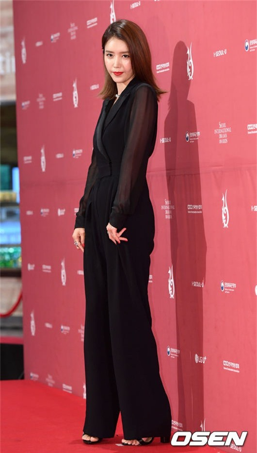Dự thảm đỏ Liên hoan phim Seoul còn có diễn viên