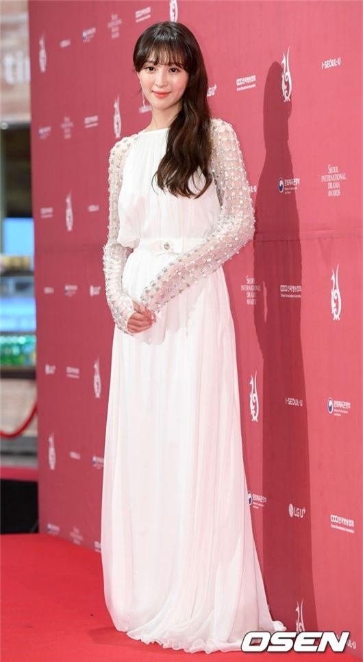 Cô đào Jung Hye Sung.