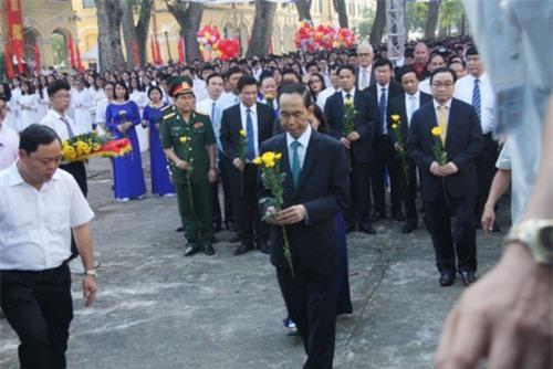 Chủ tịch nước cùng các đại