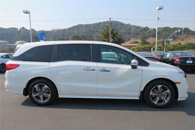 3. Honda Odyssey (doanh số: 92.654 chiếc).