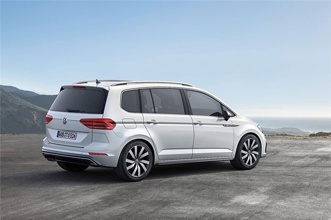 9. Volkswagen Touran (doanh số: 76.126 chiếc).