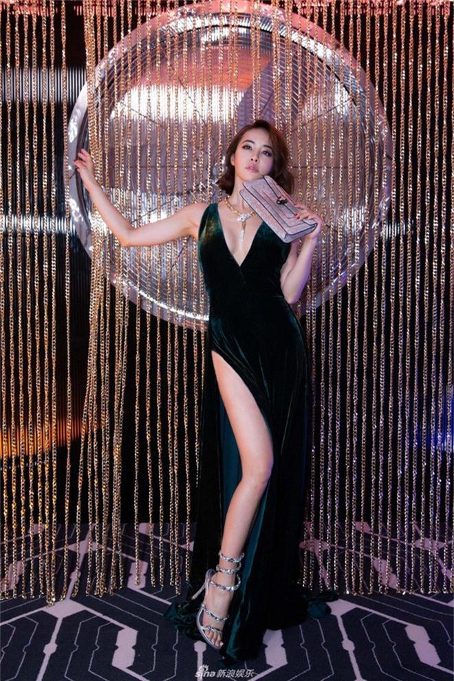 U40 lại chỉ cao 1m56, Thái Y Lâm vẫn khiến gây choáng nhờ body siêu nuột nà khiến chị em phải ghen tị - Ảnh 2.