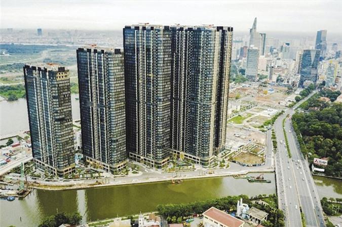 Dòng tín dụng chảy vào thị trường bất động sản vẫn tiềm ẩn nhiều rủi ro nên cần kiểm soát chặt.