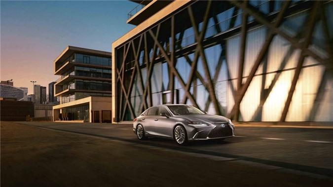Lexus vừa công bố giá bán của mẫu sedan hạng sang ES thế hệ thứ 7 tại thị trường Anh với mức giá từ 46.000 USD cho đến 59.700 USD, tùy từng phiên bản.