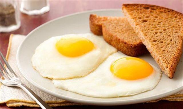 7 món ăn nhìn thì ngon, ăn thì thích nhưng mẹ bầu cần tránh tuyệt đối nếu không muốn rước họa cho con - Ảnh 4.