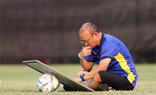 HLV Park Hang Seo tuyển quân dự AFF Cup: Bản danh sách bất ngờ? - 1