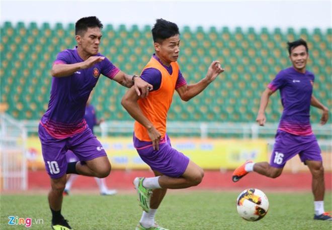 HLV doi Sai Gon lam benh o giai doan quan trong cua V.League hinh anh 2