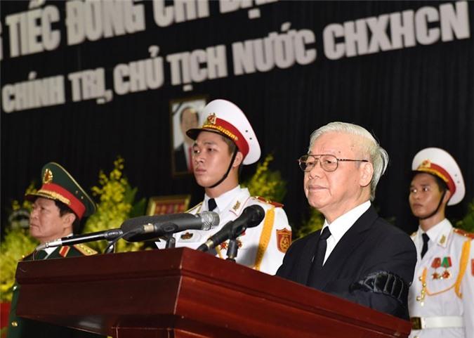 Tổng Bí thư Nguyễn Phú Trọng đọc điếu văn tại Lễ truy điệu Chủ tịch nước Trần Đại Quang. Ảnh: Báo Chính phủ.