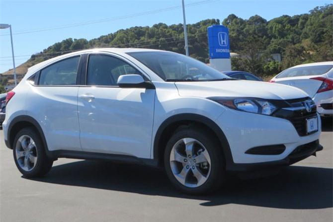=4. Honda HR-V LX (CVT) FWD 2018 (mức tiêu hao nhiên liệu: 8,3 lít/100 km).