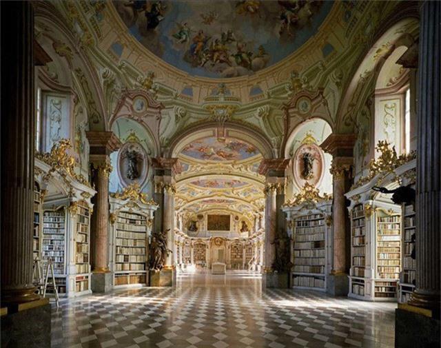 Nhiếp ảnh gia người Ý thực hiện cuộc hành trình đi tìm thư viện đẹp nhất thế giới, và đây là những gì anh ấy ghi lại được - Ảnh 18.