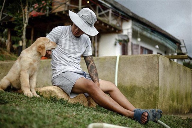Rời bỏ phố thị, cô gái Sài Gòn lên Đà Lạt cùng bạn trai xây dựng khu vườn giữa núi rừng hoang vu dành cho thú cưng - Ảnh 3.