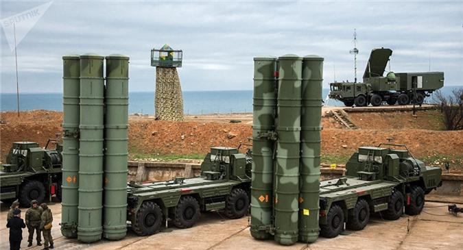 Hệ thống tên lửa S-400 của Nga.