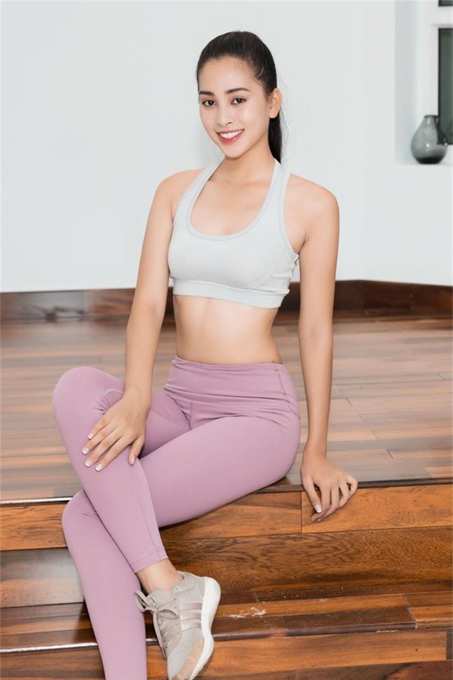 Hoa hậu Tiểu Vy tự tin khoe eo thon, dáng chuẩn trong buổi tập đầu tiên cho hành trình đến với Miss World 2018 - Ảnh 11.