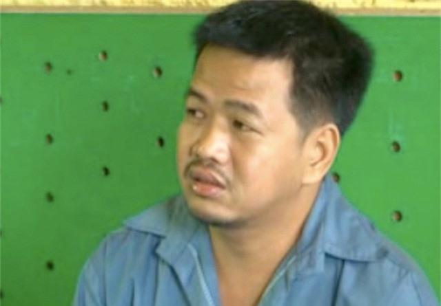 Giám đốc doanh nghiệp lừa đảo 830 triệu đồng, trên đường chạy trốn thì bị cướp. Đối tượng Huỳnh Văn Khon (34 tuổi) - Giám đốc Công ty TNHH máy nông nghiệp Hoàng Minh (gọi tắt Công ty Hoàng Minh) vừa lừa đảo trót lọt 830 triệu đồng từ một người dân, tuy nhiên trên đường chạy trốn thì Khon không may bị đám thanh niên chặn đường cướp. (CHI TIẾT)