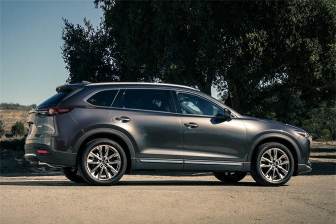 8. Mazda CX-9 2019 (giá khởi điểm: 32.280 USD).