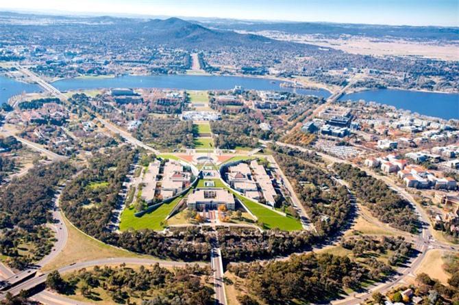 3. Thành phố Canberra, Australia.
