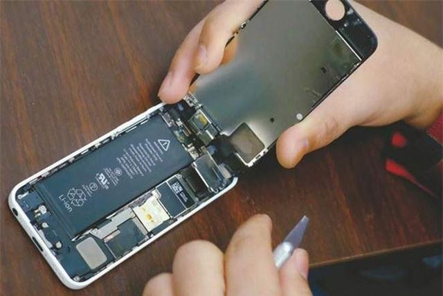 Apple đã chi hàng tỉ USD cho bào hành thay thế iPhone tại Trung Quốc. Ảnh: AFP.