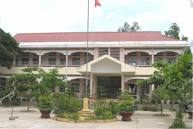 Trường THCS An Lục Long.