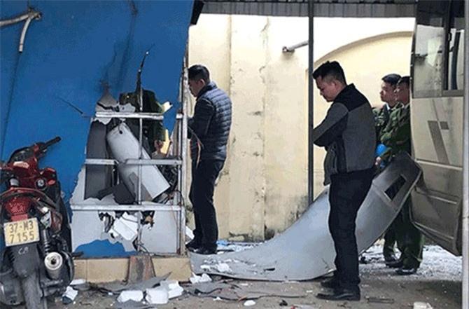 Hiện trường vụ nổ do ném mìn ở Nghệ An năm 2017
