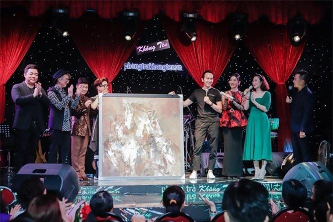 Theo tìm hiểu, bức tranh này thuộc sở hữu của doanh nhân Nguyễn Mạnh Hà.