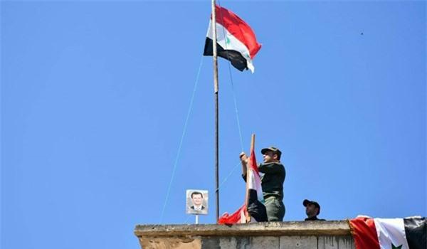 Syria: Người dân giương cờ tại Deir Ezzur, SDF lập tức động binh