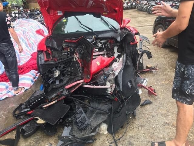 Số tiền sửa chữa siêu xe lên tới ít nhất 30% giá trị của xe