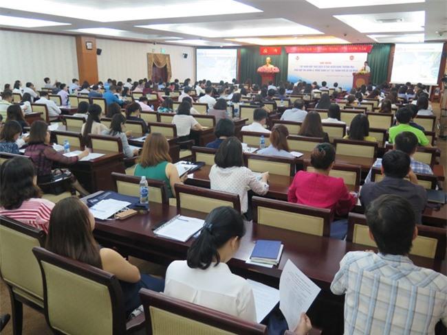 Gần 500 doanh nghiệp trên địa bàn TPHCM đã tham dự hội nghị tập huấn về nộp thuế điện tử qua ngân hàng vào sáng 19-10 (ảnh LK).