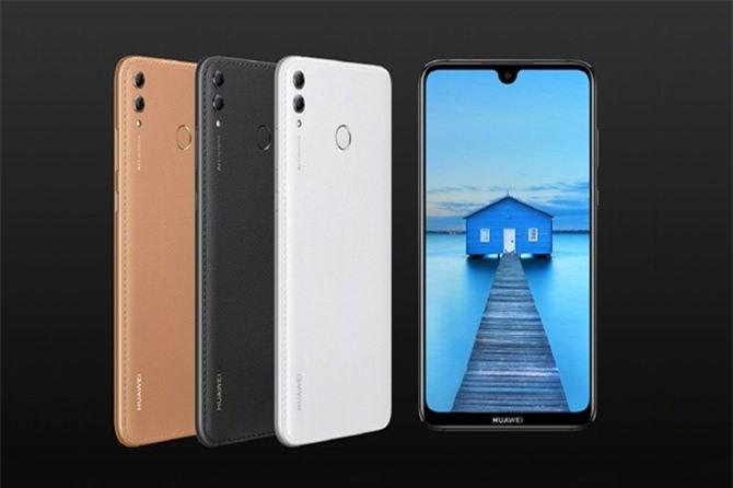 Sức mạnh phần cứng của Huawei Enjoy Max đến từ vi xử lý Qualcomm Snapdragon 660 lõi 8 với xung nhịp tối đa 2,2 GHz, GPU Adreno 512. RAM 4 GB, bộ nhớ trong 64/128 GB, có thể mở rộng dung lượng lưu trữ qua khay cắm thẻ microSD chuyên dụng với dung lượng lên đến 256 GB. Hệ điều hành Android 8.1 Oreo, được tùy biến trên giao diện EMUI 8.2.