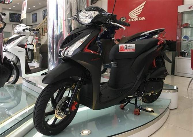 Xe máy nào của Honda bán chạy nhất tháng 9/2018? Với doanh số 49.604 chiếc, xe máy tay ga Vision là mẫu xe máy bán chạy nhất của Honda Việt Nam trong tháng 9/2018. (CHI TIẾT)