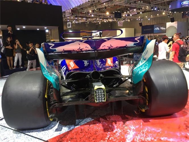 Hai chiếc xe độc nhất triển lãm ô tô Việt Nam 2018 có gì hay? - ảnh 3