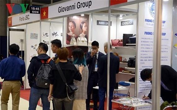 Gian hàng Giovanni tại Triển lãm thời trang mùa thu Tokyo. (Ảnh: VOV)