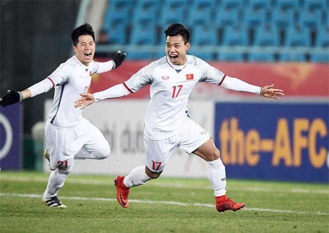 Văn Thanh tự tin dự đoán ĐT Việt Nam vô địch AFF Cup 2018.