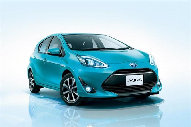 7. Toyota Aqua (doanh số: 96.906 chiếc).