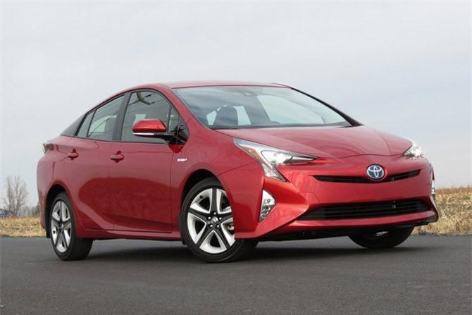 8. Toyota Prius (doanh số: 90.847 chiếc).