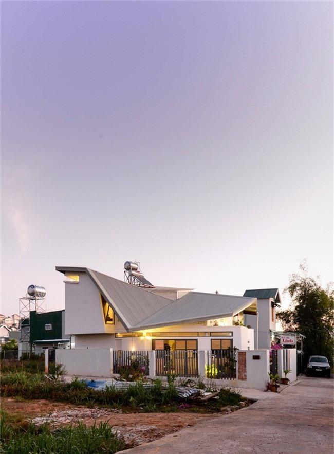 Ngôi nhà mái dốc xinh như bước ra từ truyện tranh Nhật Bản ở Đà Lạt - Ảnh 3.