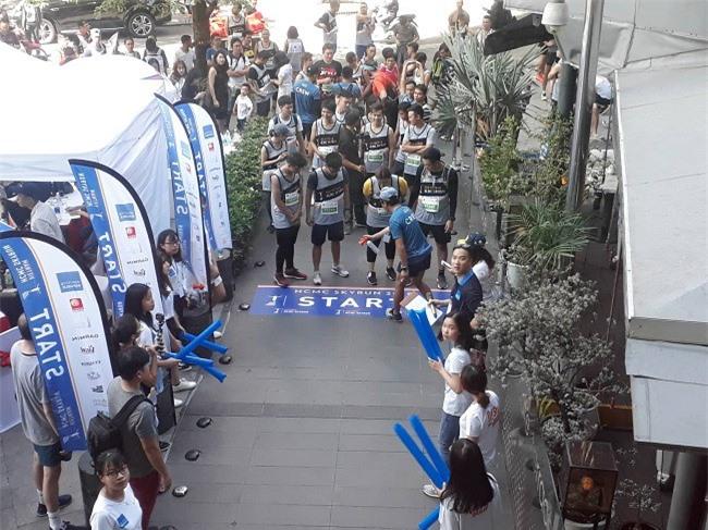 Các vận động viên tham gia sẽ bắt đầu cuộc thi từ tầng trệt của tòa nhà Bo