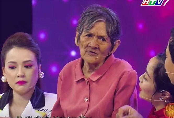 """Bà Trần Huỳnh Xuân trong chương trình """"Mãi mãi thanh xuân"""" tập 6."""