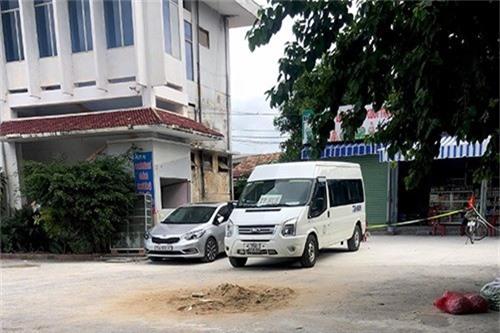 Mâu thuẫn trên xe khách, thanh niên 9X đoạt mạng tài xế. Vào khoảng 10h50 ngày 26/10, tại bến xe thị xã Ba Đồn (Quảng Bình) đã xảy ra 1 vụ án mạng rất nghiêm trọng khiến 1 người chết. (CHI TIẾT)