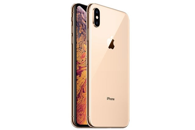 3. iPhone Xs Max (giá khởi điểm tại Việt Nam: 33,99 triệu đồng).